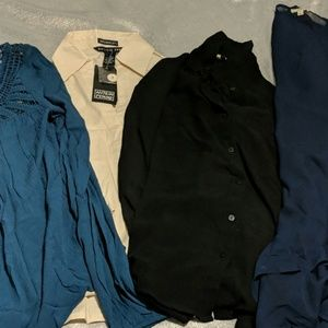 4 PC lot of tops sz Small 1 nwt price is for all